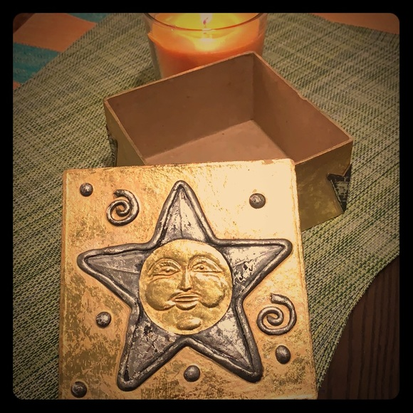 Other - Sun gift box-Free with purchase.